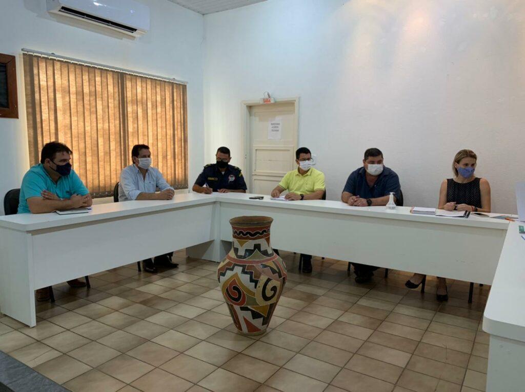 Comitê Municipal de Prevenção e Enfrentamento ao Coronavírus, realiza reunião para fazer um balanço sobre as ações de trabalhos e discutir pontos do Decreto