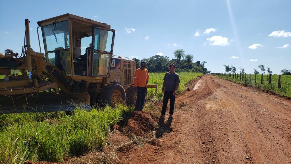 Prefeito de Bonito visita patrolamento de estradas vicinais realizado pela Secretaria de Obras