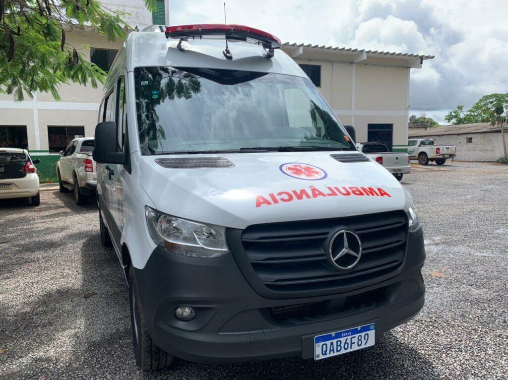 """Prefeitura recebe nova ambulância tipo """"A"""""""