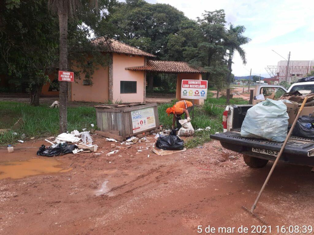 Operação limpeza é realizada durante madrugada em Bonito