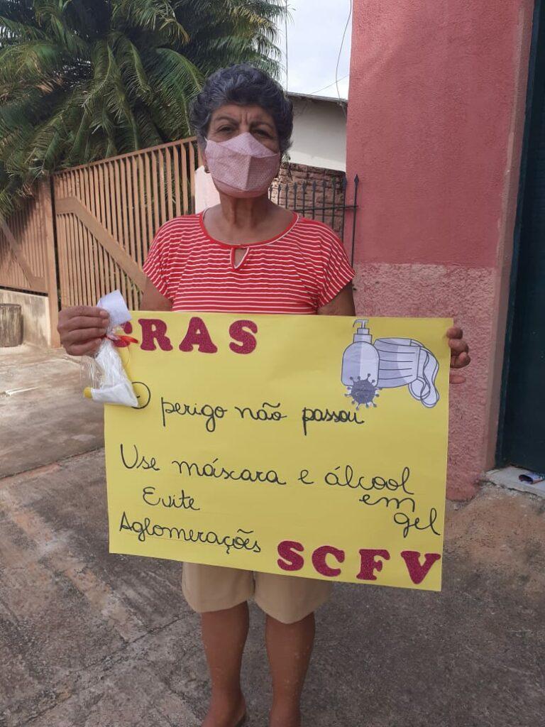 SAS faz distribuição de máscaras de proteção e álcool em gel para famílias usuárias do Serviço de Convivência e Fortalecimento de Vínculos