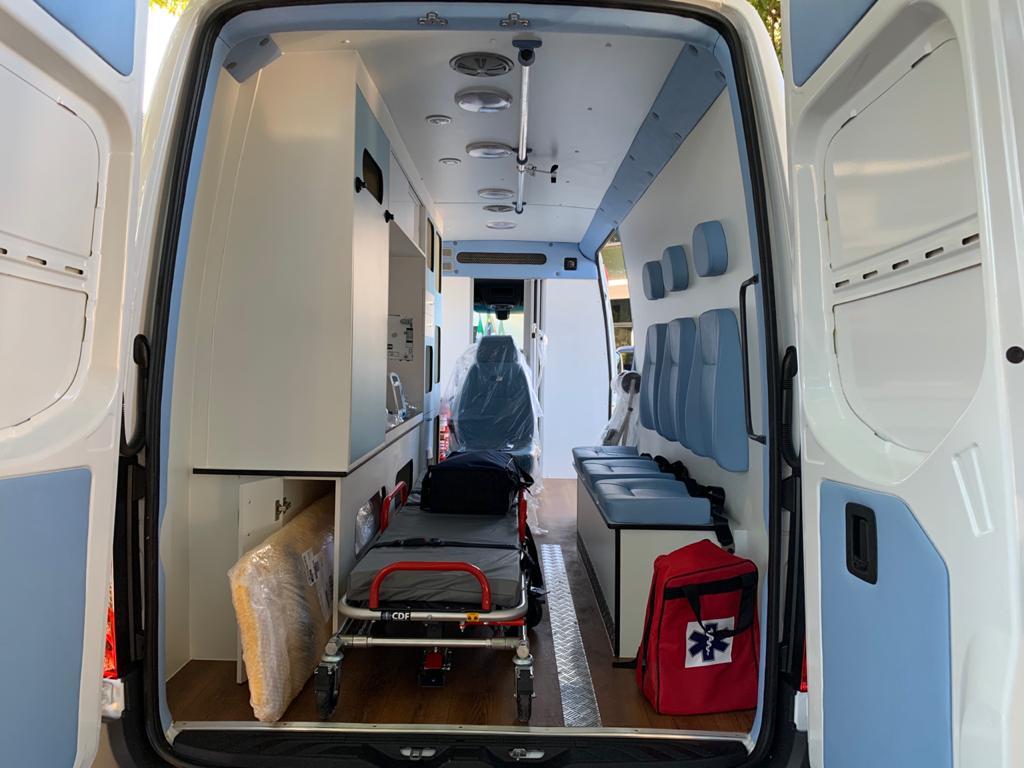 Prefeitura recebe nova ambulância tipo D, UTI Neonatal