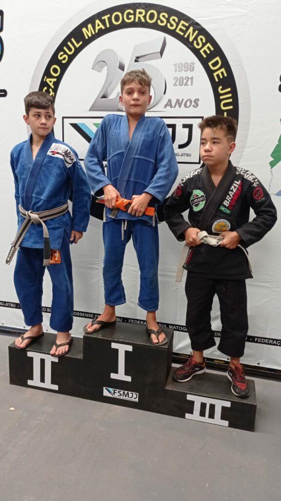 Bonito conquista medalha de ouro e bronze em Campeonato Estadual de Jiu-Jitsu