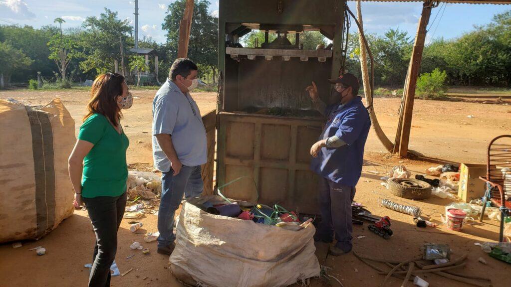 Prefeito de Bonito visita Unidade de Tratamento de Resíduos com objetivo de promover melhorias no local