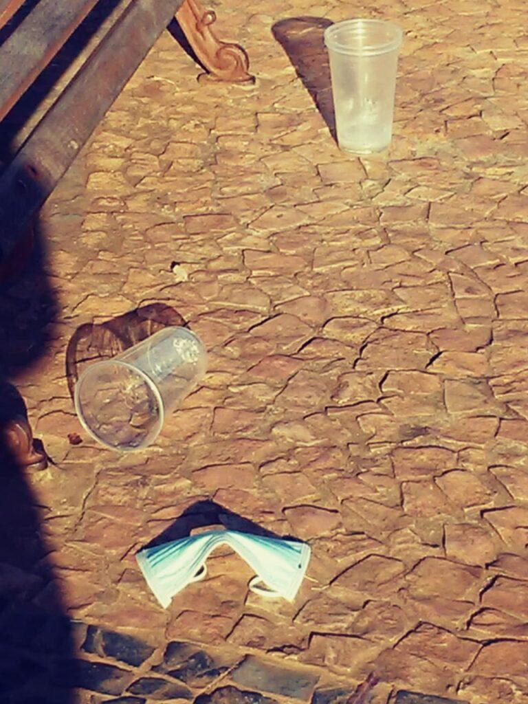 Prefeitura desenvolverá ações de fiscalização para coibir baderna e descarte de lixo na Praça da Liberdade