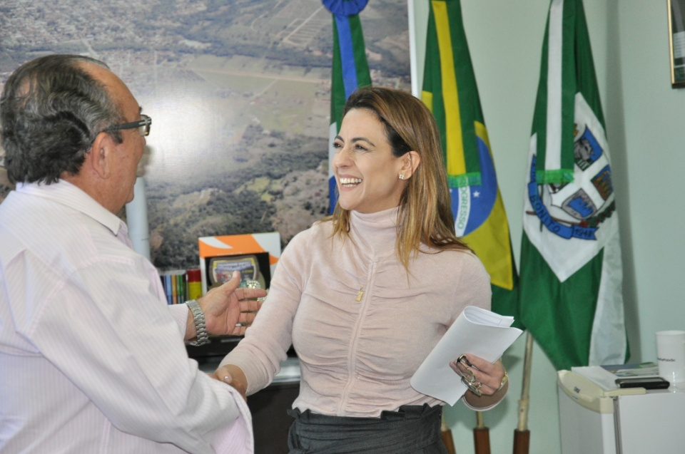 Prefeito Odilson recebe visita da senadora Soraya Thronicke