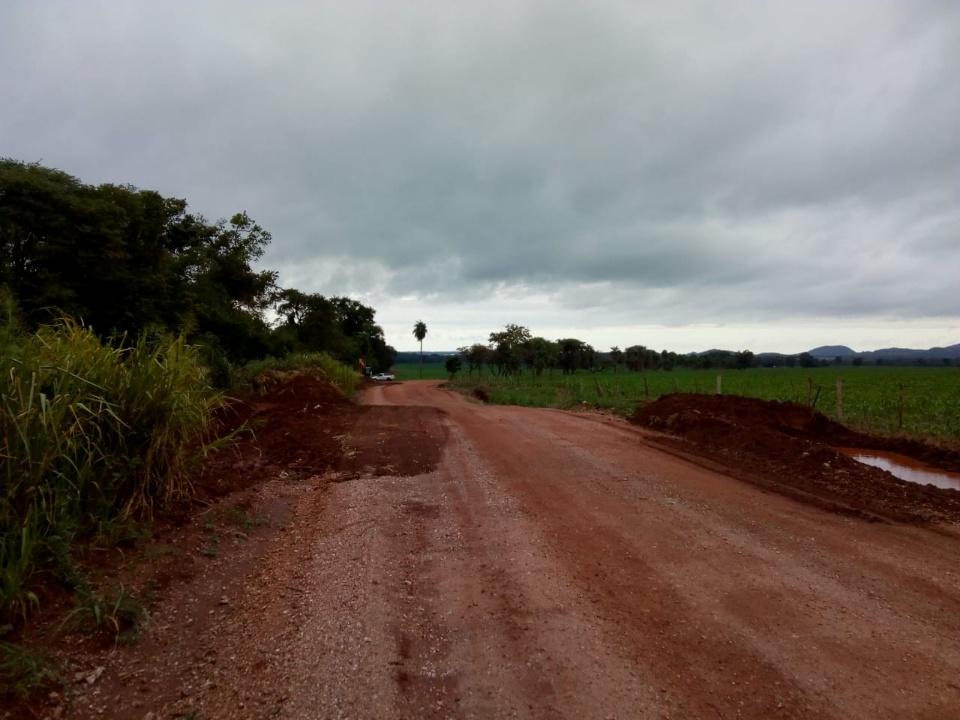 Meio Ambiente realiza ações de conservação de água e solo na região do Anhumas