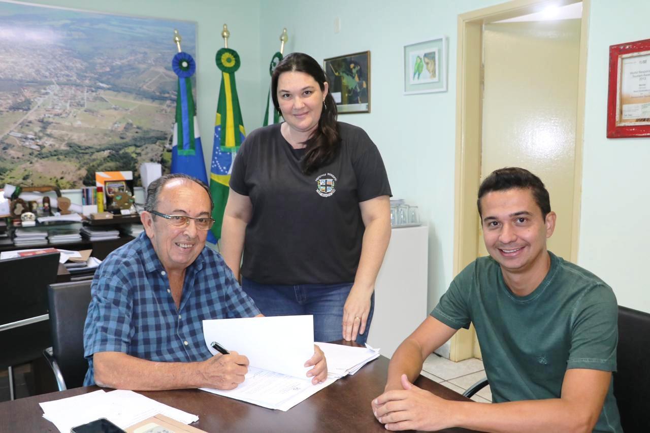 Com a assinatura da ordem de serviço as obras já podem ser iniciadas. Foto: Jabuti