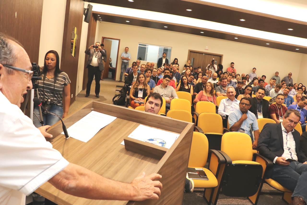 Prefeito discursou representando o presidente da Assomassul, Pedro Caravina. Foto: Jabuti,