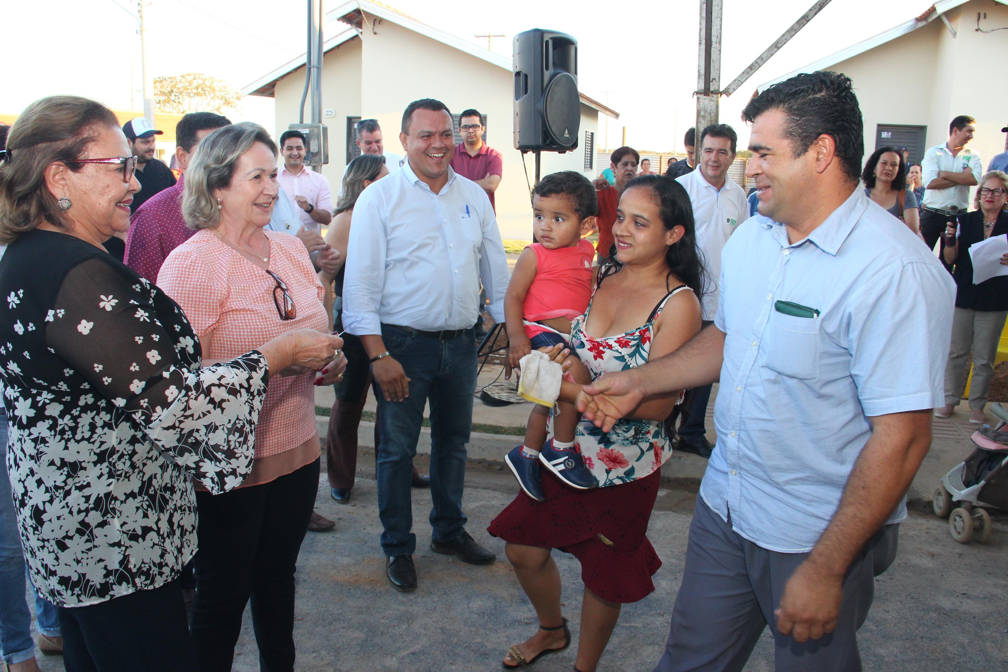 Entrega das chaves das 87 casas do Residencial Lago Azul / Etapa I, localizado no Bairro Rincão Bonito