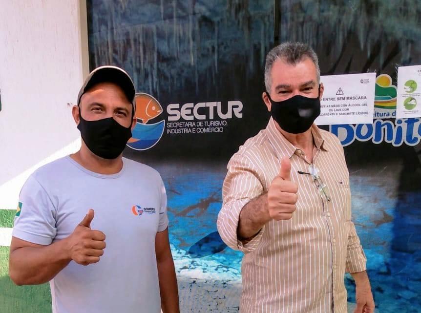 Marcos Gomidez, representante dos motoristas, foi pessoalmente pedir o benefício ao secretário Augusto