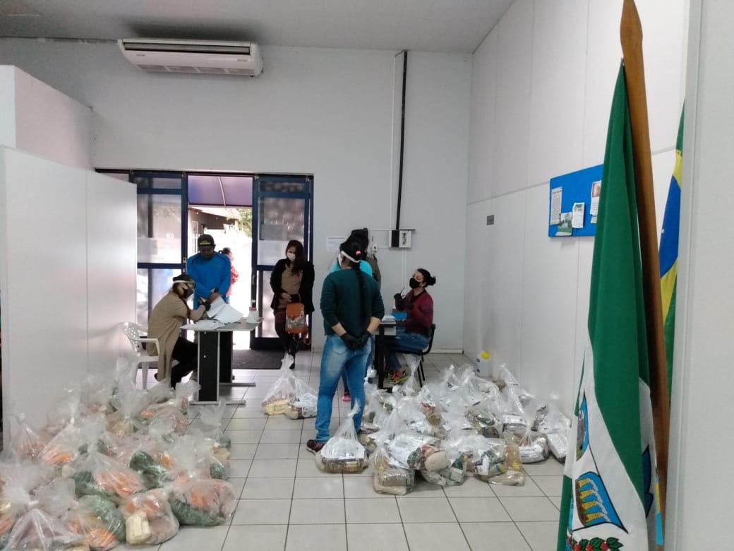 Educação entrega segunda etapa de Kits Merenda para alunos das escolas municipais